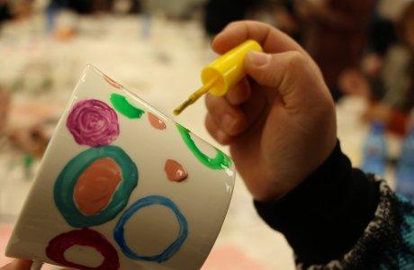 """סדנת """"כוס קפה"""" חם ואמנותי.. מאת: מיכל רוזנר"""
