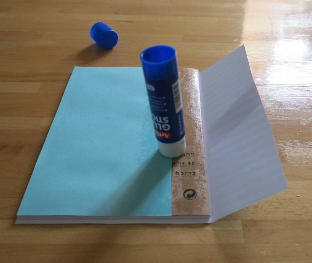 הדבקת נייר 3